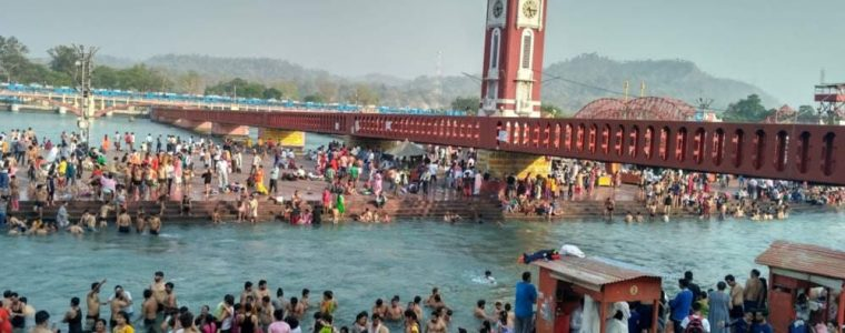 10 lakh take dip in Ganga on Amavasya
